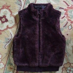 Gymboree girl's size 5-6 faux fur vest Deep plum